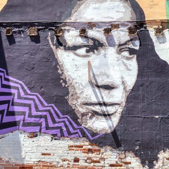 murales donna con velo