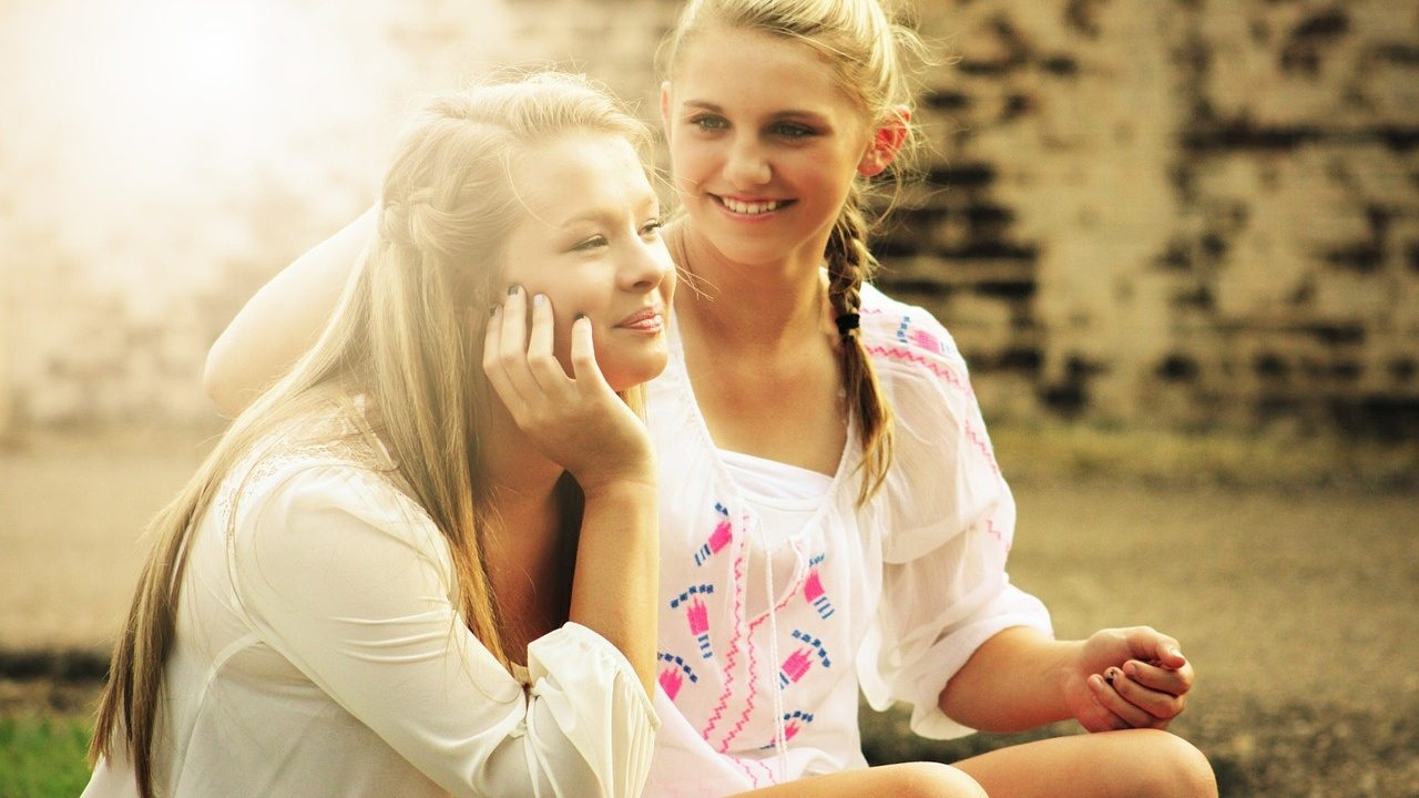 ragazze sorridenti