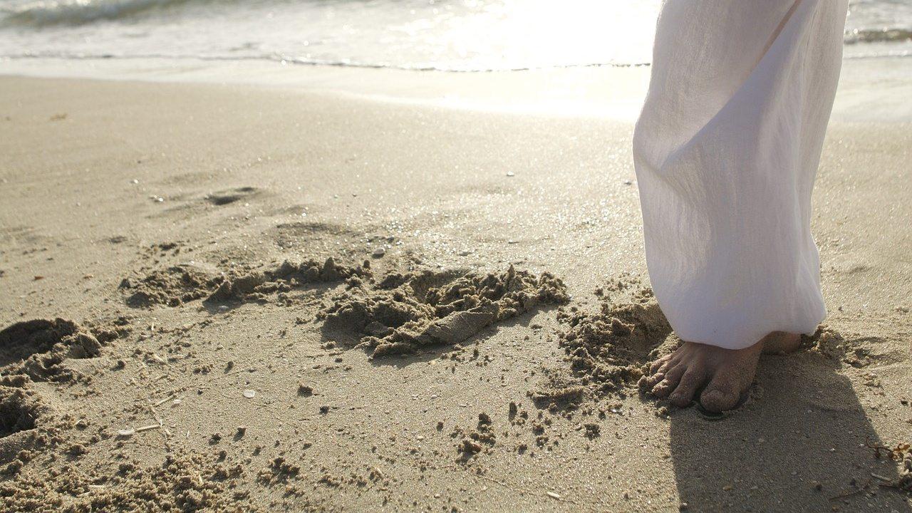 tai chi sulla spiaggia