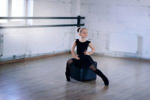 bambina a danza